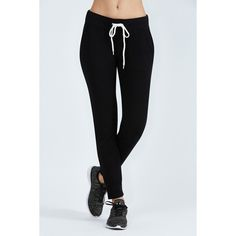 Monrow Sporty Sweat ($130) ❤ liked on Polyvore featuring activewear, activewear pants, black, sweat pants, french terry sweatpants, drawstring sweat pants, monrow and lightweight sweat pants