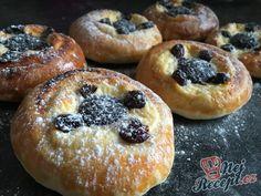 Moravské koláče po našem - VYNIKAJÍCI | NejRecept.cz Cupcakes, No Bake Cake, Doughnut, Sweet Recipes, Nutella, Muffin, Food And Drink, Sweets, Bread
