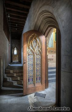 chapel of the holy trinity - photographs by matthew christopher murray of abandoned america