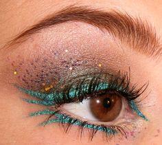 Mardi Gras make up ideas Teal Eye Makeup, Makeup For Brown Eyes, Makeup Art, Beauty Makeup, Makeup Ideas, Teal Eyeliner, Dance Makeup, Hair Beauty, Beauty Art