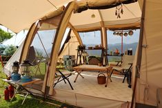 Ah, the art of glamping. Combining chic ideas with the outdoors, glamping is a way to have fun and be comfortable. Not quite camping yet not quite a s. Camping Style, Camping Glamping, Camping Life, Camping Hacks, Outdoor Camping, Camping Ideas, Kids Tents, Travel Rewards, Abandoned Places