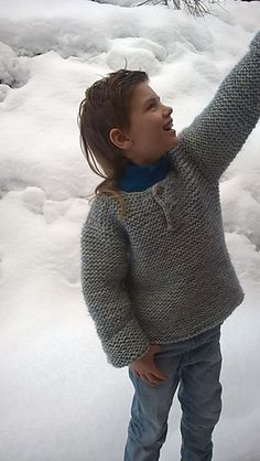 The math did not add up in some of the sizes in this free pattern, but now it is revised and corrected. Very sorry for any inconvenience. Knitting Patterns Boys, Jumper Patterns, Vest Pattern, Knitting For Kids, Easy Knitting, Knitting For Beginners, Baby Patterns, Free Pattern, Kids Vest