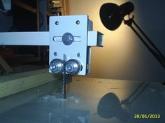 Jig Saw table guide and stabilizer