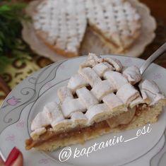 En sevdiğim tatlılardandır Elmalı turta 🤤🤤🤤 çayın yanına on numara olur çaysızda olur hani 😋😋😋 kısacası bazı tarifler iyi ki varlar 😍😍😍 🍎🍎…