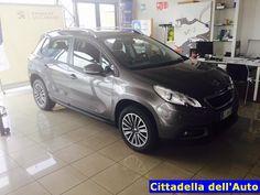 Peugeot 2008 aziendale 1.6 HDI ACTIVE 92 cv S.S. imatricolata 28/04/15 km. 16421 colore Grigio Platinum Metallizzato/ruota di scorta/ estensione garanzia 5 anni/80.000 km  Da noi a soli €. 15.200 oltre a passaggio di proprietà.  maurizio.moretti@supercarsrl.eu 333.6456861  Per questa e altre proposte, visitate il nostro sito: www.cittadelladellauto.it