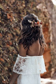 Flower Bridal Hairstyles | Grace Loves Lace 2018 ICON Collection | ElegantWedding.ca