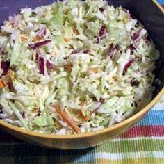 Coleslaw saláta (amerikai káposztasaláta) Receptek a Mindmegette. Veggie Recipes, New Recipes, Soup Recipes, Salad Recipes, Vegetarian Recipes, Cooking Recipes, Healthy Recipes, Mind Diet, Good Food