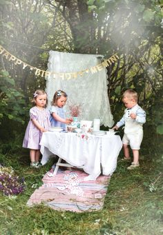 Memini children`s wear by Kristine Vikse, Norwegian design, organic cotton, baby and kids ss 2016. Baby girl, baby boy, sibling photo, pixies, romper suit, sweet, cute, pastels, tea party, Alice in wonderland, happy birthday, babies
