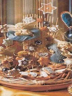 praktická žena: Vianoční anjeli Gingerbread Cookies, Desserts, Food, Gingerbread Cupcakes, Tailgate Desserts, Deserts, Essen, Postres, Meals