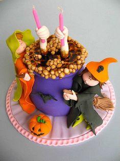 Torta di Halloween tridimensionale con calderone