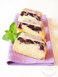 Loaf Cake con Yogurt e Mirtilli Glassato al Limone