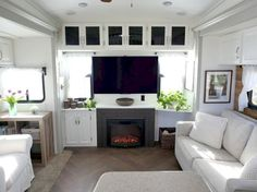 Top RV Hacks, Remodel, Renovation & Makeover that make Living an RV is Awesome (112)