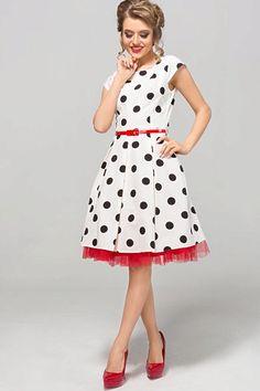 Nádherné šaty jako stvořené na svatby, zahradní oslavy, párty či krásné letní dny. Bílý podklad s černými puntíky a perfektní střih to jsou hlavní trumfy těchto krásek. Pohodlný střih s lodičkovým výstřihem, krátkým rukávkem, zapínáním na zadní straně na skrytý zip, materiál 67% polyester, 30% viskóza, 3% elastan. Šaty jsou o něco menší, doporučujeme spíše o číslo větší velikost. Skirts, Vintage, Style, Fashion, Swag, Moda, Fashion Styles, Skirt