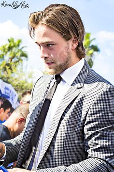 lord have mercy Tampa Bay Lighting, Victor Hedman, Pictures Of Lightning, Beautiful Men, Beautiful People, Hockey Baby, Sharp Dressed Man, Hockey Players, Men Dress