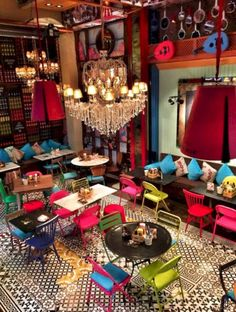 15 Café Shop Interior Design ideas to Lure Customers www.futuristarchi… Related posts:Keeping it Real: Whitsundays Islands styleDesign Trend: Foo Dog Fever!Best Amazing Retro Kitchen Design Ideas to Steal Cafe Shop, Cafe Bar, Cafe Menu, Cafe Bistro, Café Design, Design Ideas, Deco Cafe, Deco Restaurant, Colorful Restaurant