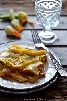 Lasagne con la zucca,fiori di zucca e funghi http://www.zagaraecedro.ifood.it/2016/10/lasagne-con-zucca-e-fiori-di-zucca.html