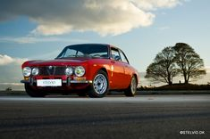 Alfa Romeo 2000 GT with FPS wheels