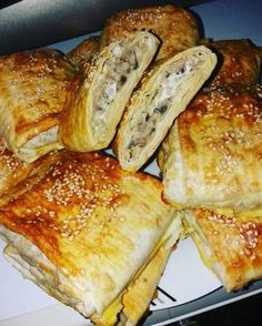 Photo Savory Pastry, French Toast, Food And Drink, Bread, Snacks, Breakfast, Recipes, Morning Coffee, Appetizers
