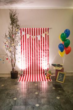 We love this photo booth setup! So fun for a birthday, prom, or wedding carnival! Carnival Baby Showers, Circus Carnival Party, Kids Carnival, Circus Theme Party, Carnival Birthday Parties, Carnival Themes, Circus Birthday, First Birthday Parties, Birthday Party Decorations