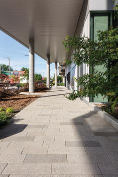 Connect your contemporary outdoor spaces with our unique walkway landscaping ideas! Mosaic Walkway, Wood Walkway, Patio Slabs, Stepping Stone Walkways, Paving Stones, Modern Landscape Design, Modern Landscaping, Landscaping Ideas, Garden Pool