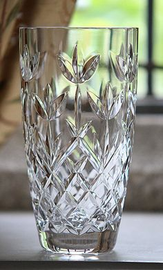 Cashs Hawthorne Fairy Vase / I love getting crystal pieces