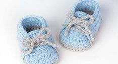 Learn how to crochet a beautiful yet simple baby shoes pair, following a pattern that's suitable for boys and girls. These super easy crochet baby sneakers are super adorable and super simple, and the video tutorial courtesy of Doroteja of Croby Patterns is just great! Cute And Easy Baby Sneakers Free Crochet Pattern Check out …