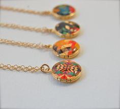 These geometric mini lockets are a beautiful pop of colour!