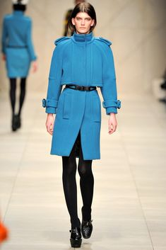 Burberry Fall 2011 Ready-to-Wear Fashion Show - Valerija Kelava