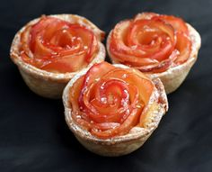 Apple Rose Tarts Apple Rose Tart, Apple Tarts, Apple Pies, Poached Apples, Edible Flowers, Tarts Recipe, Mini Apple, Flower Ideas, Coctails Recipes