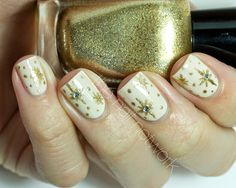 The Nail Network: TDOCNAS 2014: Day 6: Christmas Star Nail Art