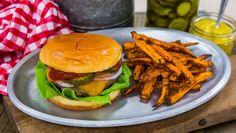 Recipe - Natasha Feldman - All-American Turkey Burgers & Cinnamon Sugar Sweet Potato Fries - Home & Family Turkey Recipes, Meat Recipes, Vegetarian Recipes, Dinner Recipes, Healthy Recipes, Vegetarian Barbecue, Hamburger Recipes, Vegetarian Cooking, Healthy Dinners