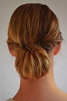 Petitie-amie makkelijk laag knotje #hairtutorial #lowbun #laagknotje #haaropsteken