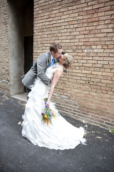 Sunken Garden at Como Park Zoo & Conservatory Wedding | Photograph by Erin Johnson Photography  http://www.storyboardwedding.com/sunken-garden-como-park-zoo-and-conservatory-early-morning-intimate-wedding/