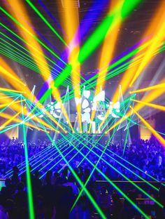 Source: photo.rukes.com Stage Lighting Design, Stage Design, Dj Lighting, Set Design, Edm, Lollapalooza, Edc Las Vegas, Nightclub Design, Electric Daisy Carnival