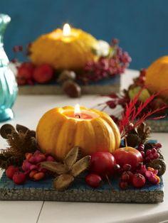 Wir holen uns ab sofort das herrliche Leuchten des Herbstes mit schöner Herbstdeko nach Hause. Blättern, Beeren und Waldfrüchten sei Dank.