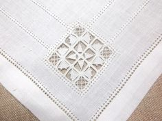 Drawn Thread Work corner from: Lavender and Lilac: Towel Linen Jacobean Embroidery, Embroidery Patterns Free, White Embroidery, Cross Stitch Embroidery, Drawn Thread, Thread Work, Linen Placemats, Fibre And Fabric, Brazilian Embroidery