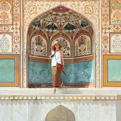 Liz.....In the Amber Fort, Jaipur (Rajasthan). Photo by TravelPlusStyle.com