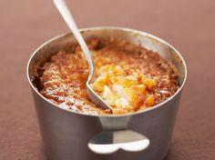 Découvrez la recette Riz au lait au four sur cuisineactuelle.fr.