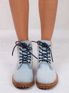 https://www.princesspolly.com/sale/timberland-ltd-denim-fabric-6-inch-boots