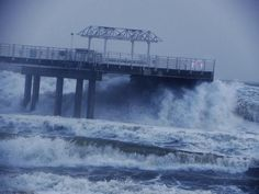 Isaac: Storm surge at the Orange Beach Pier in Alabama - MikeFrancisWX - breakingnews.com