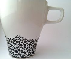 Handpainted Coffee Mug Black & White by trinako on Etsy Dot Painting, Ceramic Painting, Painted Coffee Mugs, Arts And Crafts, Diy Crafts, Dots, Pottery, Hand Painted, Black And White