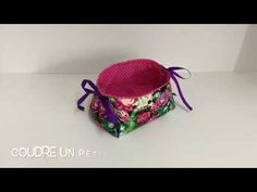 Coudre un petit panier vides poches - Tuto Couture Madalena - YouTube Techniques Couture, Creation Couture, Pouch, Make It Yourself, How To Make, Crafts, Diy, Quilt, Youtube