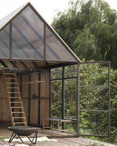 Trend Easy to Build Tiny House Makes a Sweet Minimalist Retreat