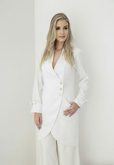 Shop boohoo's range of womens and mens clothing for the latest fashion trends you can totally do your thing in, with of new styles landing every day! Blazer Creme, Kurta Style, Cream Jacket, Blazers, Marina Laswick, Double Breasted Jacket, Online Shopping Clothes, Chic, Ideias Fashion