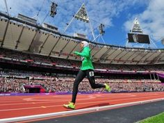 Sarah Attar, primera mujer de Arabia Saudita en competir en atletismo de los JJOO