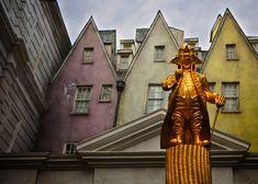 A Magical Look Inside Diagon Alley at Universal Studios, Orlando: http://www.davonnajuroe.com/magical-look-inside-diagon-alley-universal-studios-orlando/ #HarryPotter #DiagonAlley #UniversalStudios #Orlando #Gringotts
