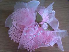 Condividi Pubblica tweet + 1 E-mail Centrino a 8 petali per bomboniera realizzato con filo di cotone n.16. Misura circa 20 cm di diametro ...