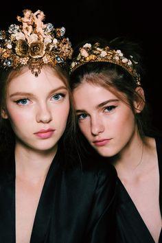fashionfeude:  Beauty backstage at Dolce & Gabbana Spring Summer 2016 | MFW