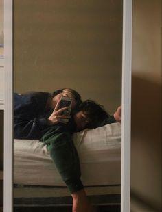 Cute Couples Photos, Cute Couple Pictures, Cute Couples Goals, Couple Goals, Couple Photos, Emo Couples, Teenage Couples, Romantic Pictures, Relationship Goals Pictures