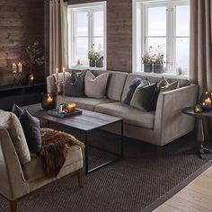 """1,779 likerklikk, 32 kommentarer – Halvor Bakke (@halvor.bakke) på Instagram: """"S I G N A T U R E C O L L E C T I O N by Halvor Bakke #signaturecollectionbyhalvorbakke…"""" Cabin Style Homes, Log Cabin Homes, Modern Log Cabins, Log Cabin Living, Luxury Modern Homes, Log Home Interiors, Interior Stairs, Home Fashion, Living Room Decor"""